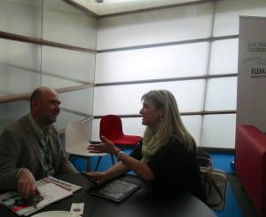 Toni Massanes director de la Fundació Alicia con Alejandra Feldman