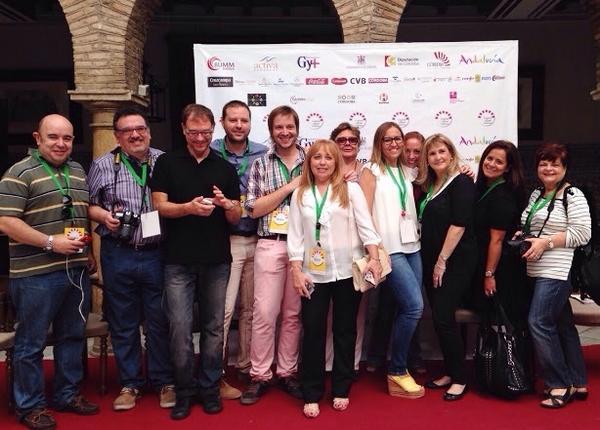 Grupo periodistas y bloggers